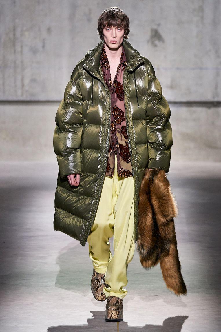 Puffer jacket door Dries Van Noten.  Beeld rv
