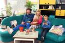 Xander de Buisonjé met zijn vrouw Sophie en hun kinderen Dex en Céla-Lynn.