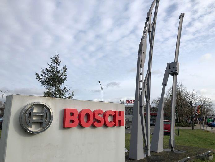 Bij ruitenwisserfabrikant Bosch in Tienen zijn nog volop de onderhandelingen aan de gang. Vakbonden willen het cijfer van ontslagen nog zien dalen.