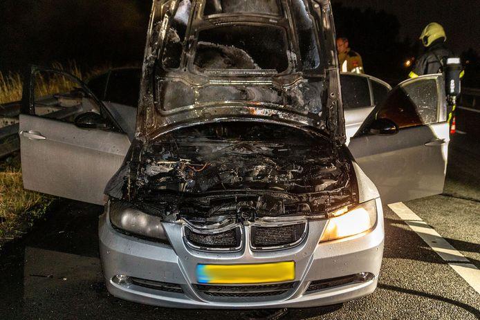 De auto was tijdens het rijden gaan roken.