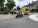 Een wielrenner is dinsdagmiddag rond 13.45 uur gewond geraakt bij een botsing met een auto op de kruising tussen de Rivierstraat en de Gestelsestraat in Eindhoven.