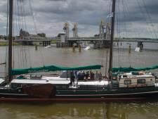 Noodfonds overheid laat op zich wachten, schippers bruine vloot noodgedwongen elders aan het werk