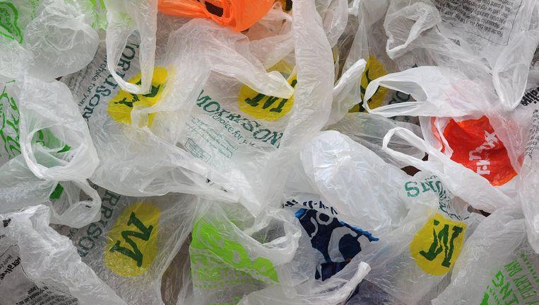 Plastic bant Savina Istas radicaal uit haar winkel Robuust.
