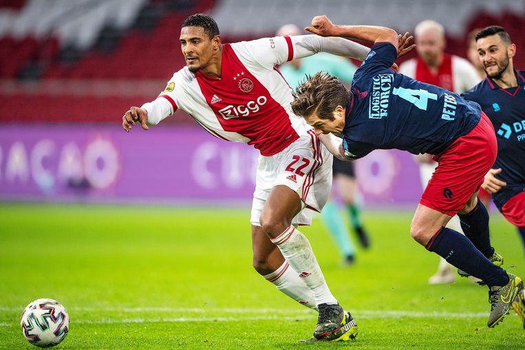 Sébastian Haller in januari tijdens een wedstrijd tegen Willem II. Beeld Guus Dubbelman / de Volkskrant