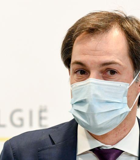 """De Croo prévient que le relâchement des mesures sanitaires se fera """"étape par étape"""""""
