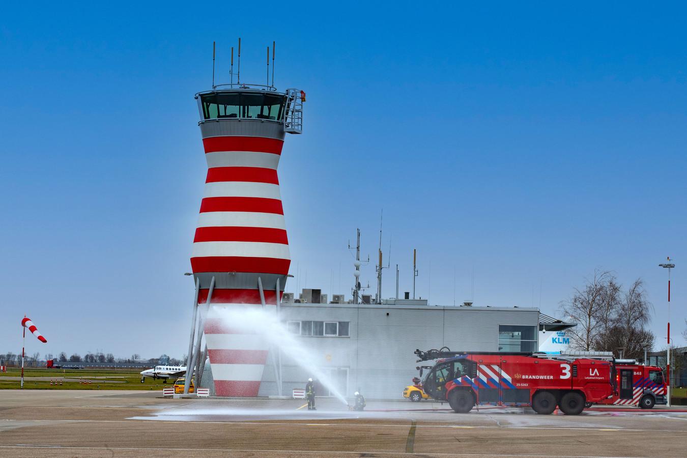 De Veluwse burgemeesters willen dat het nieuwe kabinet pas op de plaats maakt bij de ontwikkeling van Lelystad Airport.