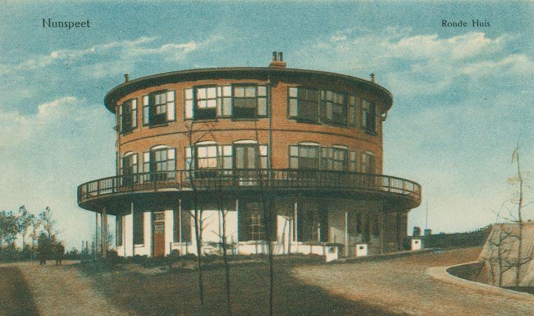 Het Ronde Huis op de Veluwe, afgebroken in 1967, is nog altijd een bron voor mysterieuze verhalen. Beeld RV