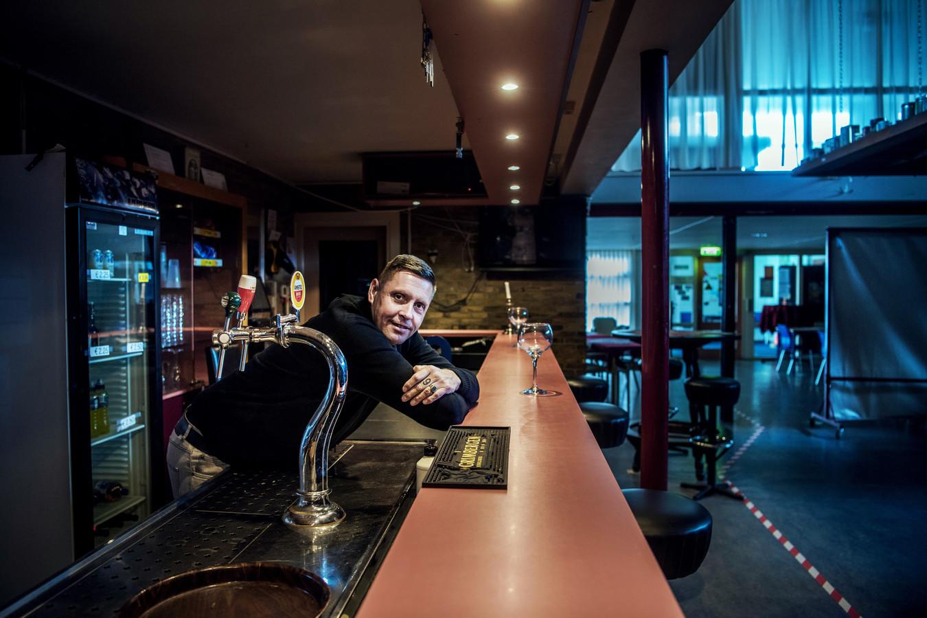 René Tjarks begon in november René's sportcafé in Stadskanaal. Een droom die uitkomt. Daarnaast wordt hij ook beheerder van het aangrenzende sportcomplex.