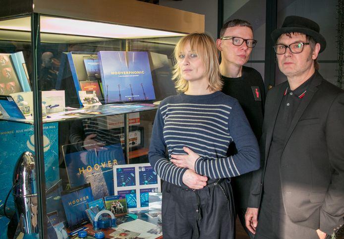 Geike Arnaert, Alex Callier en Raymond Geerts op de expo over 25 jaar Hooverphonic in De Casino.