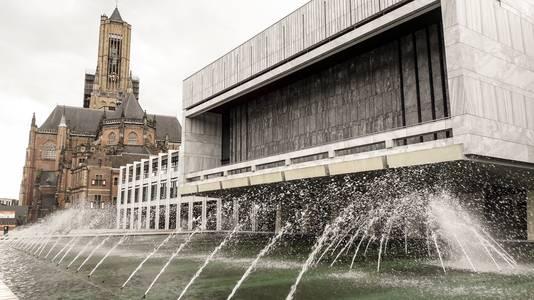 Stadhuis Arnhem met Eusebiuskerk.