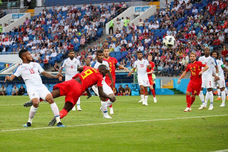Romelu Lukaku maakt de 2-0. Beeld Getty