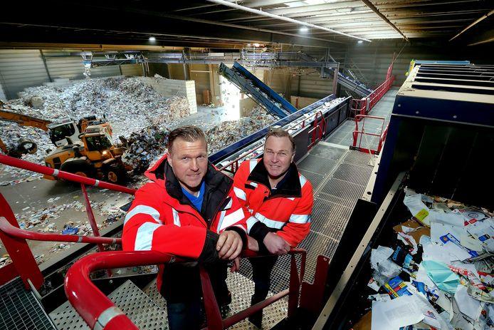 roosendaal - 20210113 - pix4profs/petervantrijen.kempenaars recycling papier en plastic bestaat 75 jaar.michel en eric kempenaars bij verwerkingslijn oud papier
