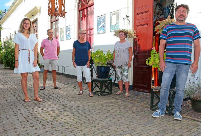Theatergroep BISonder haalt het publiek op bijzonder wijze naar zich toe tijdens een wandeling in de buitenlucht. En naar de kerk.