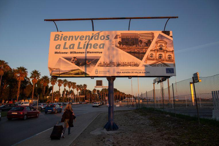 Reclamebord in La Linea, Spanje. Beeld Getty Images
