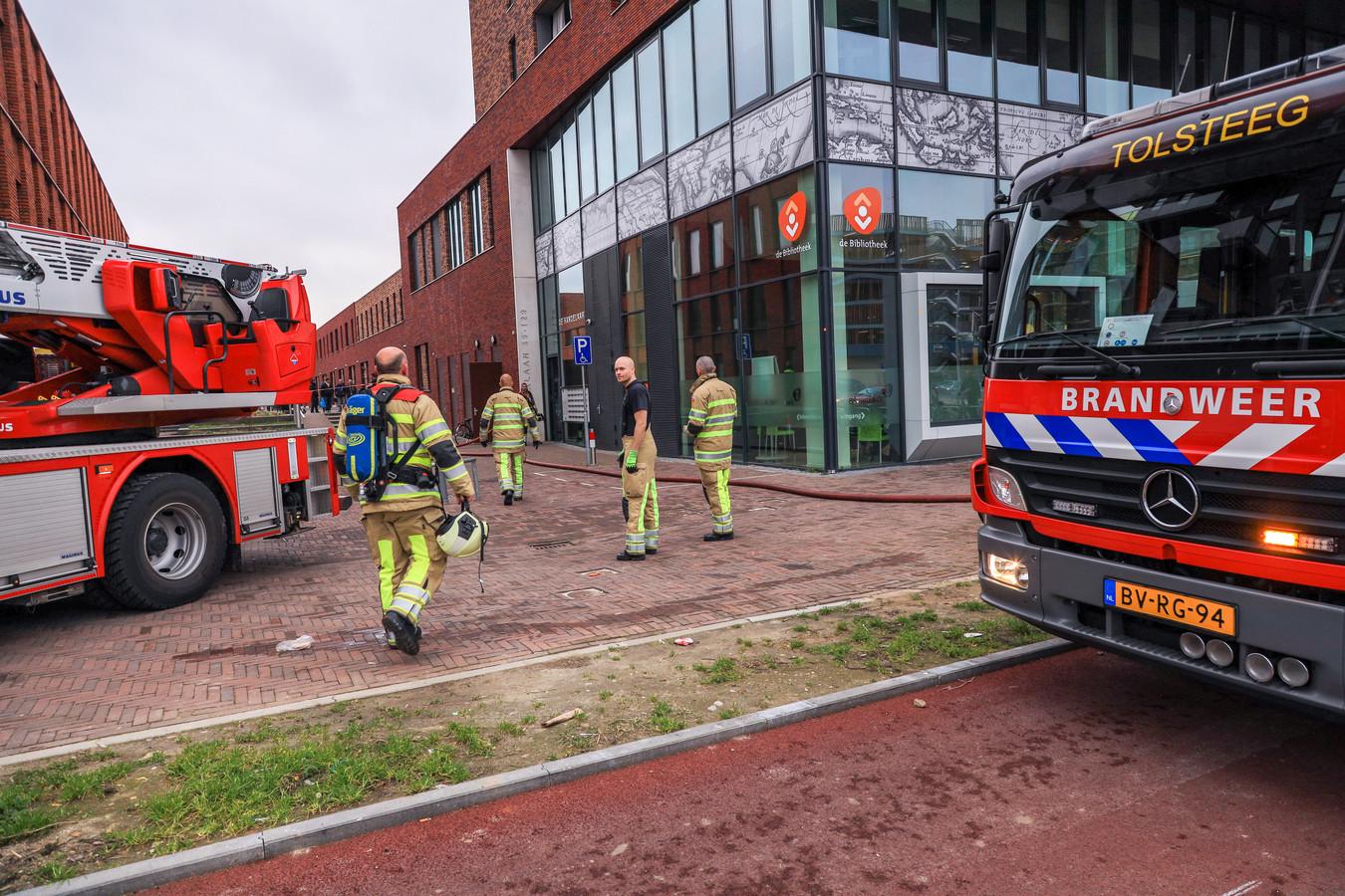 Zaterdagmiddag 2 maart rond 15.40 uur ontstond de brand in het appartementencomplex aan de Amerikalaan in Utrecht. Hoe de brand ontstond is niet duidelijk. Gewonden vielen er niet, wel vonden hulpverleners kilo's drugs.