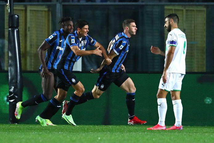 Robin Gosens viert de 1-0.