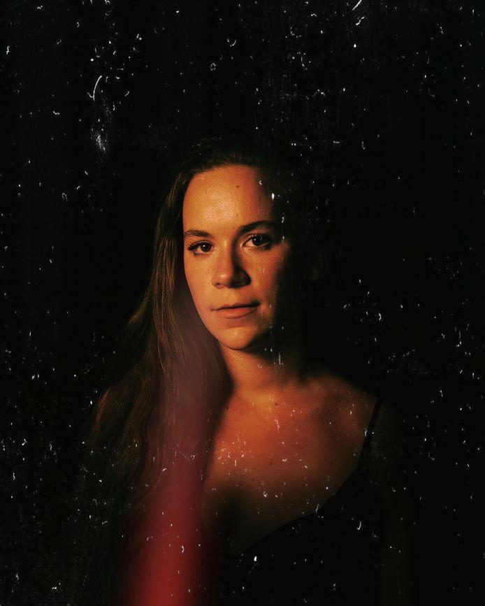 Singer-songwriter Joyce Vanderhoydonck