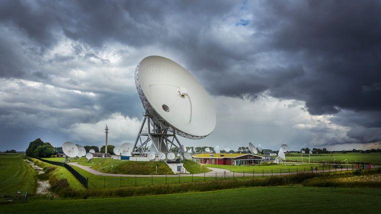 Satellietontvangers van Defensie in Burum. Beeld Hollandse Hoogte