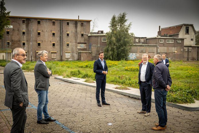 In september zijn de contracten voor de herontwikkeling voor het Steenwijkerdiep afgesloten. Zonder Wopke Klaver, de eigenaar van het Welkooppand. Maar was er toch een akkoord tussen de gemeente en Klaver?