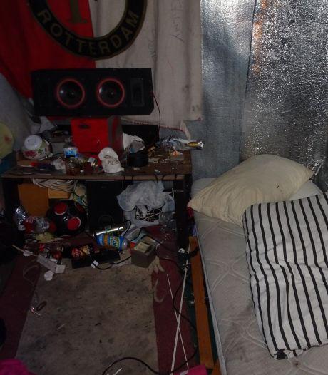 Matrassen naar buiten gesmeten, weer nieuwe erin: buurt houdt hart vast om arbeidsmigranten in woning