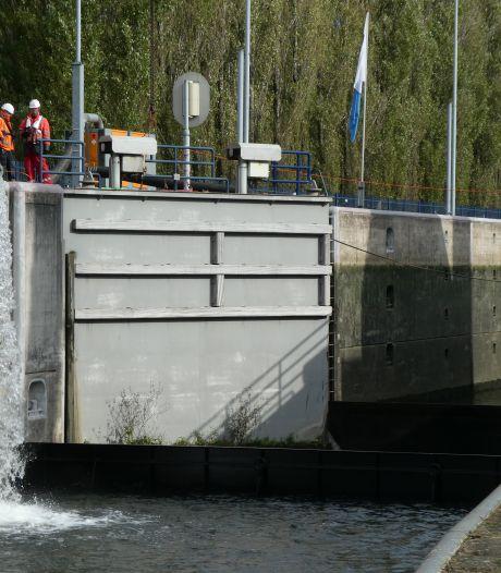 Sluis Schijndel weer in gebruik: schepen weer naar Veghel