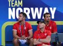 Christian Ruud, teamcaptain van Noorwegen, kijkt toe bij de partij tussen Casper Ruud en Viktor Durasovic van Noorwegen en Austin Krajicek en Rajeev Ram van de VS.
