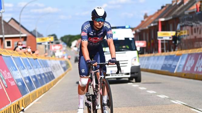 Jasper Philipsen verlaat Baloise Belgium Tour met gehavende knie