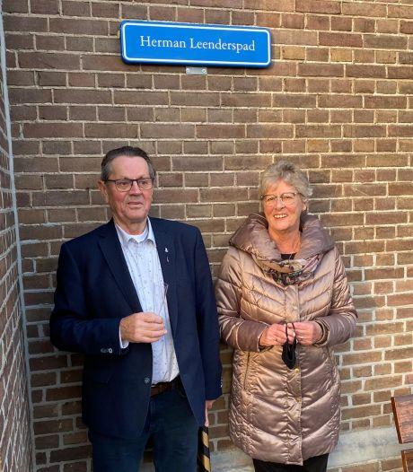 Herman Leenders, Bob de Bouwer van Beuningen, wilde begraven worden in een kist van steigerhout