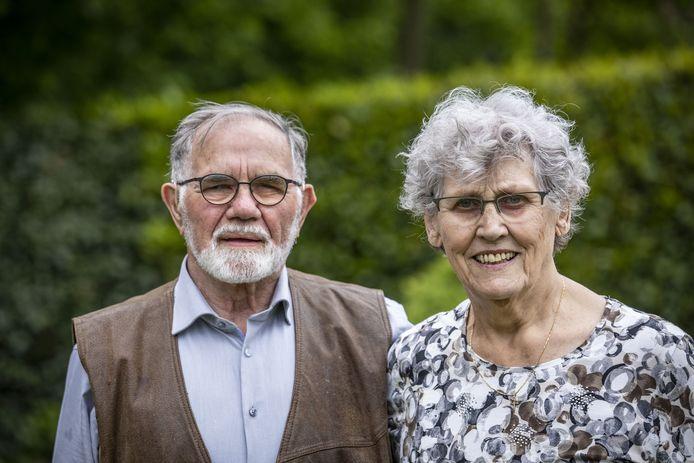 Het geheim van een goed huwelijk kent het echtpaar IJland wel na zestig jaar: naar elkaar luisteren en lekker eten.