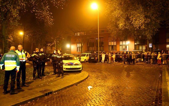 De flatwoning in Den Bosch brandde uit.