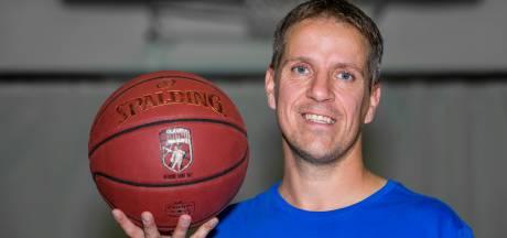 Basketballers Dolphins hebben eindelijk nieuwe coach:     Michael Schuurs komt van Wyba