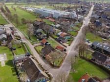 Verbod voor vrachtverkeer op smalle weg naar kaasfabriek Rouveen