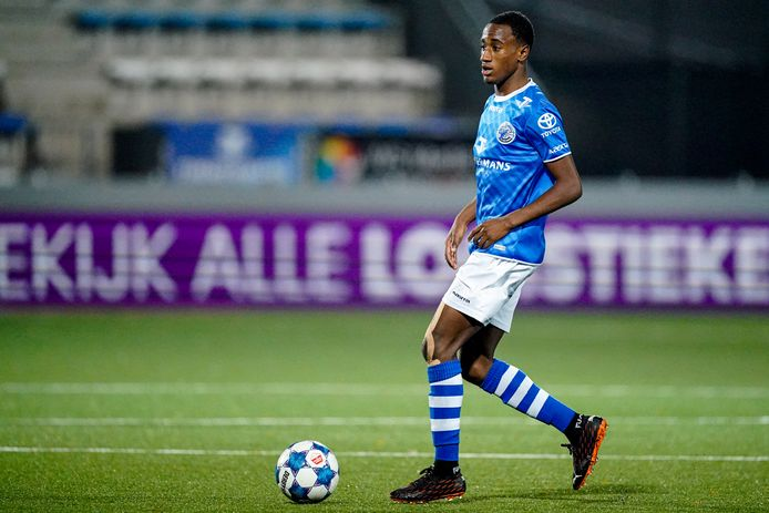 Kevin Felida ontbrak dinsdag in Venlo na een positieve coronatest. Of hij ook bij de drie positieve gevallen zit voor de uitwedstrijd tegen Roda JC is niet duidelijk.