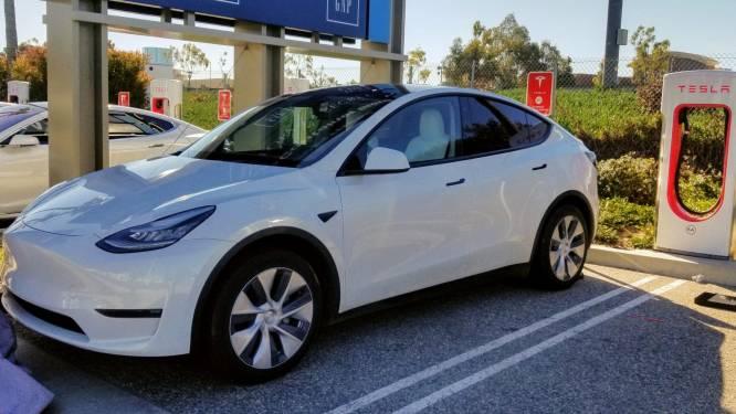 Tesla's Model Y heeft lakproblemen, maar wie klaagt mag een jaar lang geen Tesla meer kopen