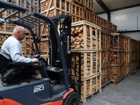 Verkoop van haardhout explodeert door stijgende gasprijs: 'De totale paniek slaat toe'