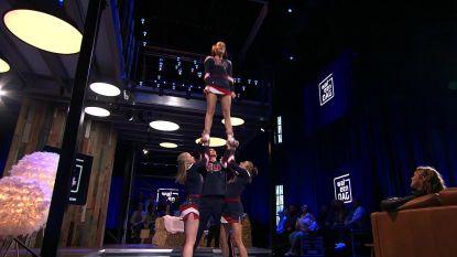 Olga Leyers toont in 'Wat een Dag' haar cheerleaderkunsten