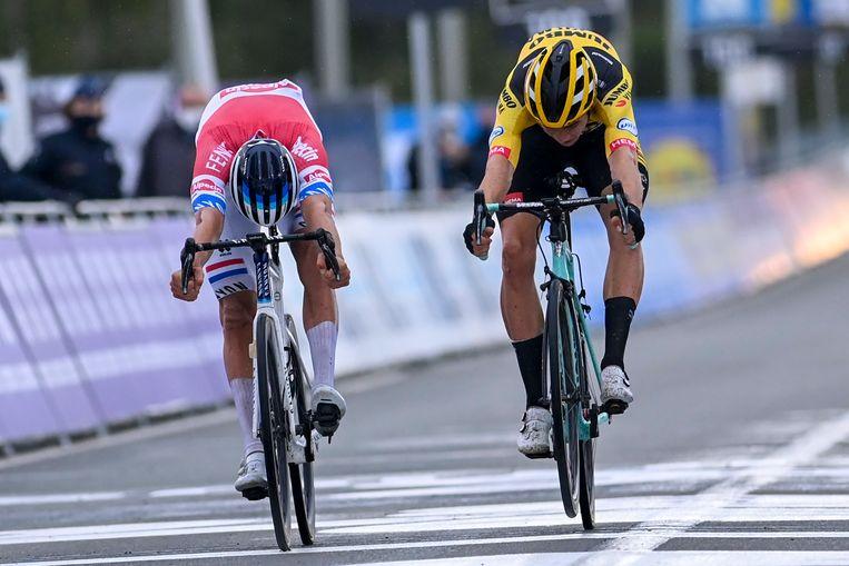18 oktober 2020: tweede in de Ronde van Vlaanderen, na een millimeterspurt met Mathieu van der Poel.  Beeld Photo News