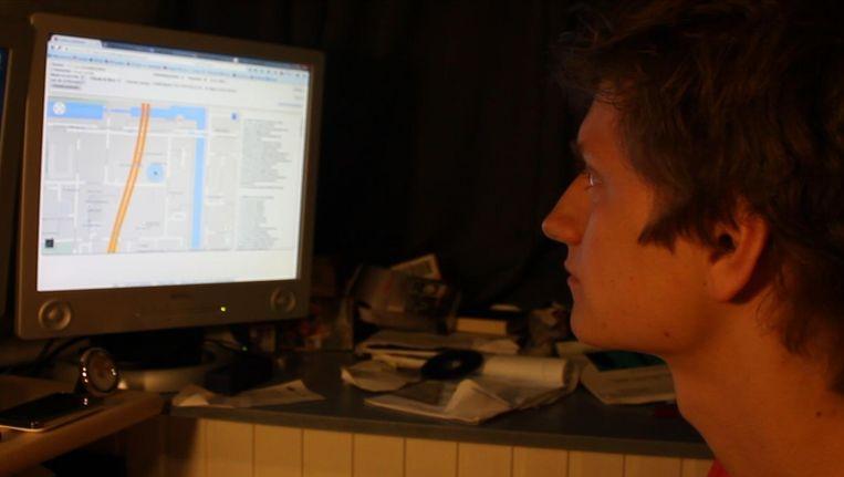 Anthony van der Meer volgt zijn gestolen telefoon via een tracker. Beeld Anthony van der Meer