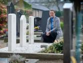 Hetty uit Zijtaart ziet onderhouden van oorlogsgraven als morele plicht: 'Zorgen voor de graven is een ereschuld die we hebben in te lossen'