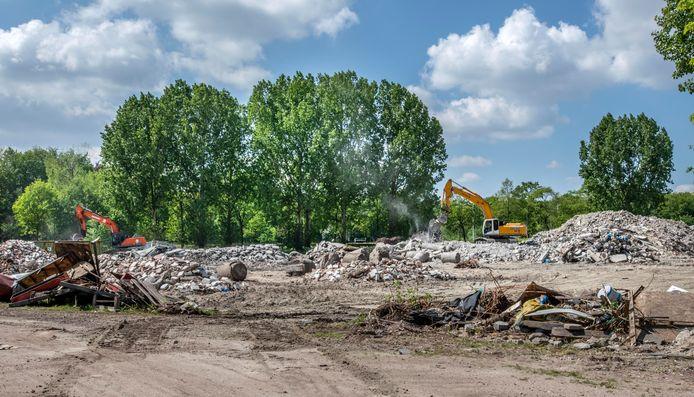 De oude bedrijfspanden op de Kempenbaan-Oost zijn goeddeels gesloopt.