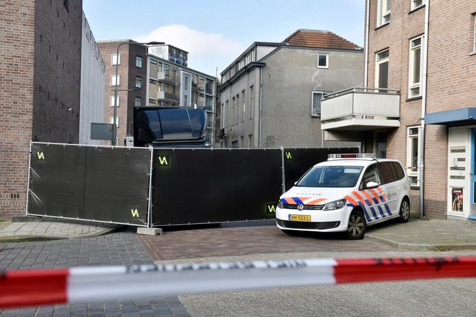 Onderzoek door de politie na de dubbele moord in Hotel Rembrandt in Arnhem.