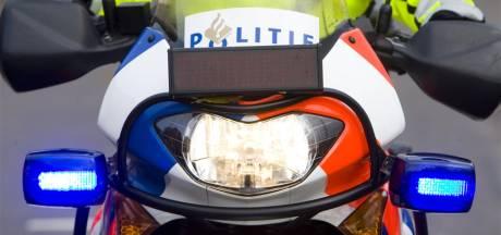Rotterdamse motoragent belaagd door quadrijders, twee arrestaties