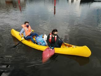 """""""Wanneer krijgen we eindelijk statiegeld op blikjes?"""": Almaci en Van Braeckevelt plukken zwerfvuil uit het Gentse water"""
