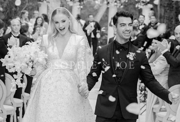 Sophie Turner et Joe Jonas sont officiellement devenus mari et femme.