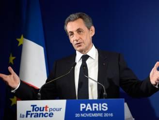 Ex-president Sarkozy stemt voor Macron, linkse Mélenchon blijft zwijgen