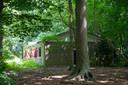 Een van de cottages op landgoed De Grote Bunte waarin arbeidsmigranten verblijven.