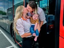 Dezelfde naam, allebei buschauffeur én straalverliefd op elkaar: 'Ze moest lachen toen ik op m'n knieën ging'