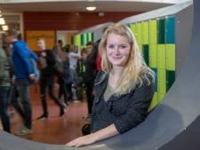 Janita (27) uit Herveld is een buitenbeentje in de Overbetuwse gemeenteraad