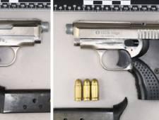 Politie komt steeds vaker omgebouwde gaspistolen tegen: 'het zijn scherpschietende vuurwapens'