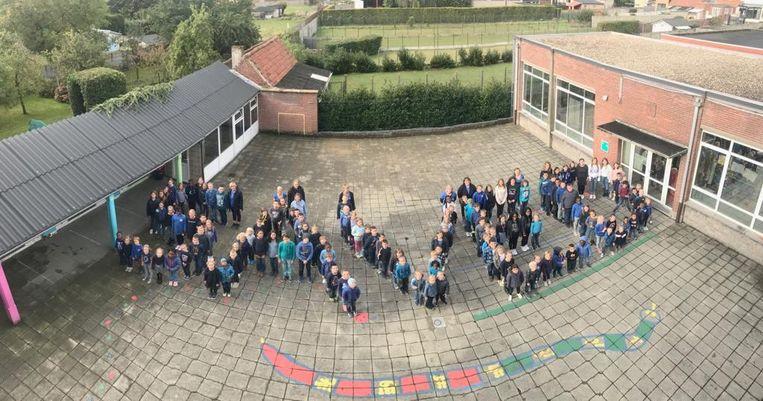 De Dolfijne School voor aandacht voor recht op goed onderwijs.